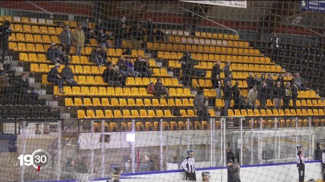 Salon de l'Auto, matches de hockey, les annulations se succèdent pour éviter la propagation du Covid-19. [RTS]