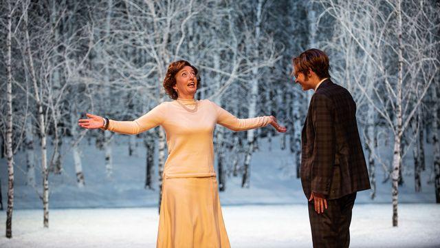 """Photo de répétition du spectacle """"La Fausse Suivante"""". [Carole Parodi - Théâtre de Carouge]"""
