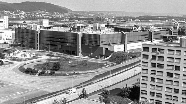 Économie : L'ère des centres commerciaux débutait il y a cinquante ans en Suisse •