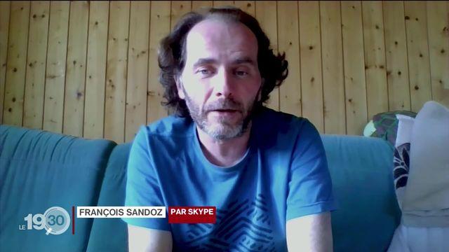 L'un des quatre concierges du collège des Forges à La Chaux-de-Fonds a contracté le coronavirus. Il témoigne. [RTS]