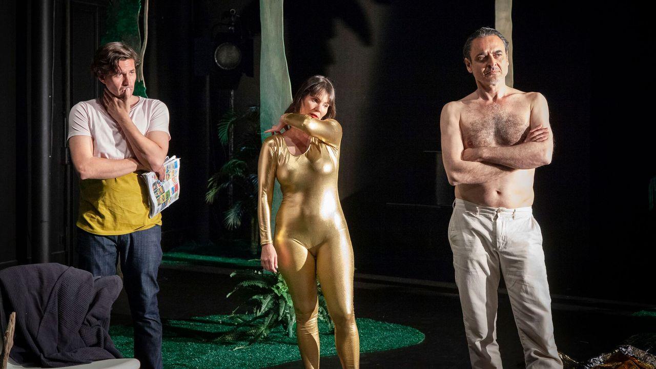 """Une scène du spectacle """"Mercredi 13"""" au Théâtre Benno Besson d'Yverdon-les-Bains. [Dorothee Thebert Filliger]"""