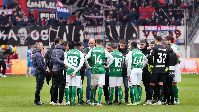 Peter Zeidler et le FC Saint-Gall, vrais candidats au titre, pourront-ils aller au bout de la saison? Rien n'est moins sûr. [Eddy Risch - Keystone]