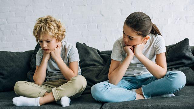 Coronavirus, écoles fermées et confinement des enfants à la maison. [IgorVetushko - Depositphotos]