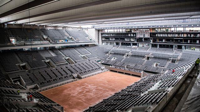 Le Central de Roland-Garros restera vide au mois de mai. [Martin Bureau - Keystone]