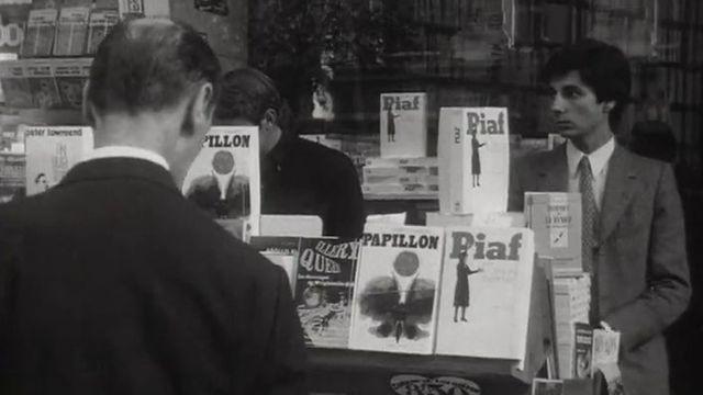 Dans un librarie parisienne en 1969 [RTS]