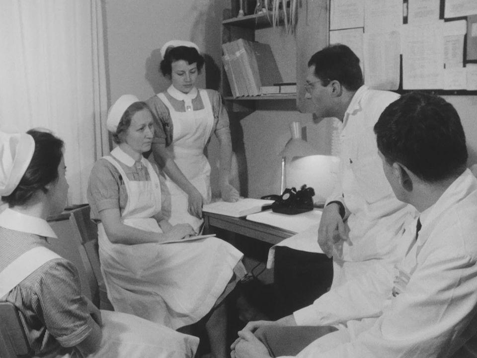 Les vingt métiers de l'infirmière [RTS]