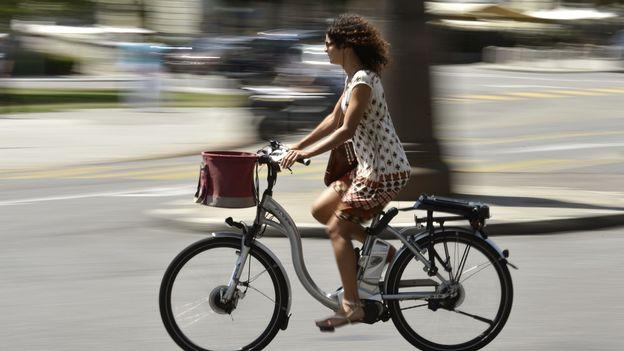 Économie : Les vélos électriques continuent de séduire les Suisses  