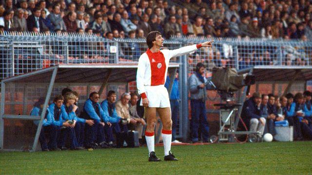 Cruyff lors d'un match entre Ajax et NEC le 4 avril 1982. [Cor Mulder - AFP]