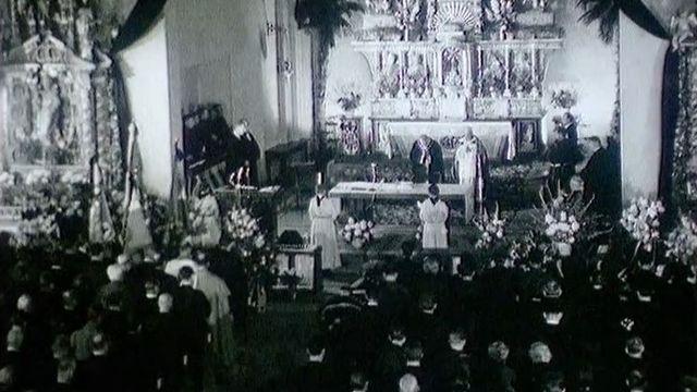 Cérémonie religieuse en mémoire des victimes de la catastrophe de Mattmark, 1965 [RTS]