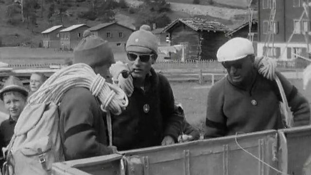 Sauveteurs s'apprêtant à se rendre sur le site de la catastrophe de Mattmark, 1965 [RTS]