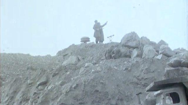 Armée présente sur les lieux de la catastrophe de Mattmark, 1965