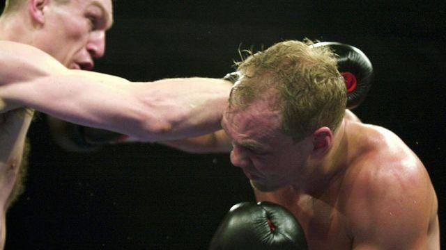 Angehrn lors d'un combat à St-Gall le 31 mars 2000. [Walter Bieri - Keystone]