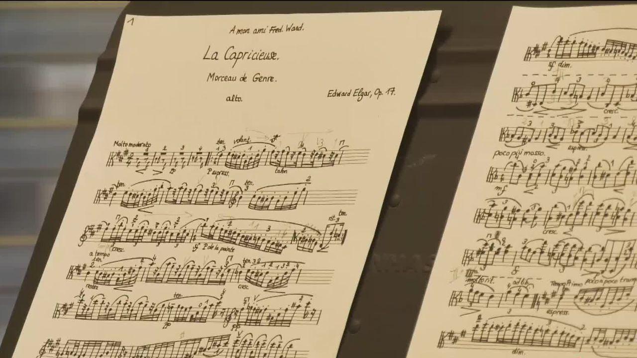 Une partition dans une salle de la Haute école de musique de Neuchâtel. [12h45 - RTS]