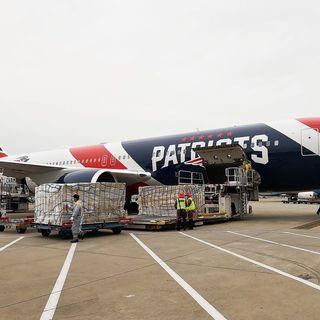 Coronavirus: l'avion des Patriots ramène 1,2 million de masques de Chine