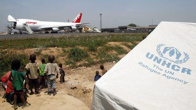 Le PAM met à disposition sa logistique et ses avions, aussi pour les petites ONG. [Legnan Koula - EPA/Keystone]
