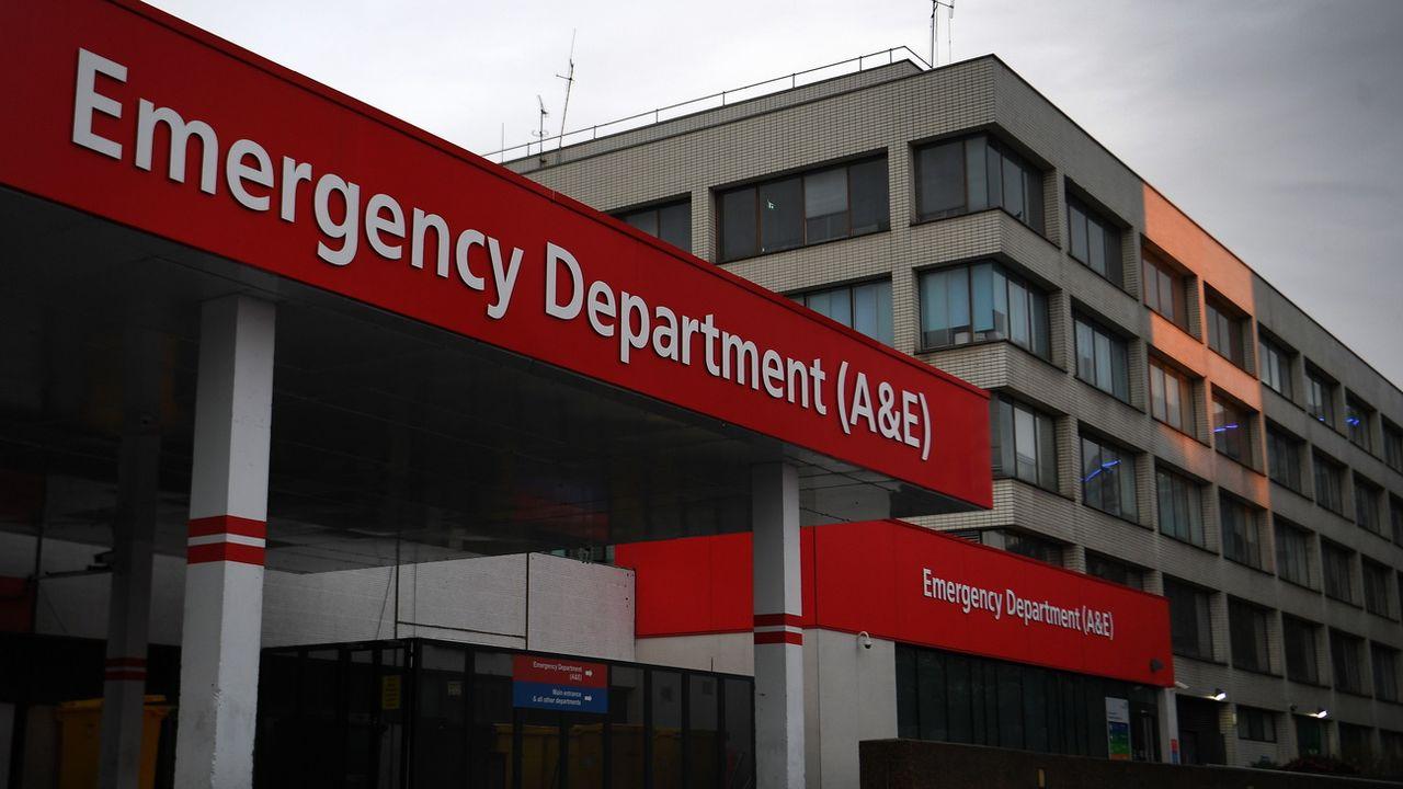 L'entrée des urgences du St.Thomas' Hospital où se trouve Boris Johnson. [Andy Rain - EPA/Keystone]