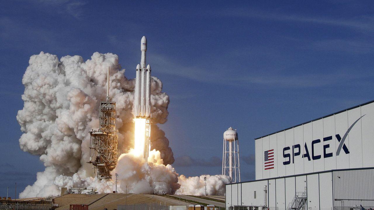 Une fusée Falcon 9 de la compagnie SpaceX au décollage. [Red Huber - Orlando Sentinel/AP/Keystone]