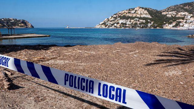 Interdiction d'accès à une plage espagnole de Majorque aux Baléares. [Cati Cladera - EPA/Keystone]