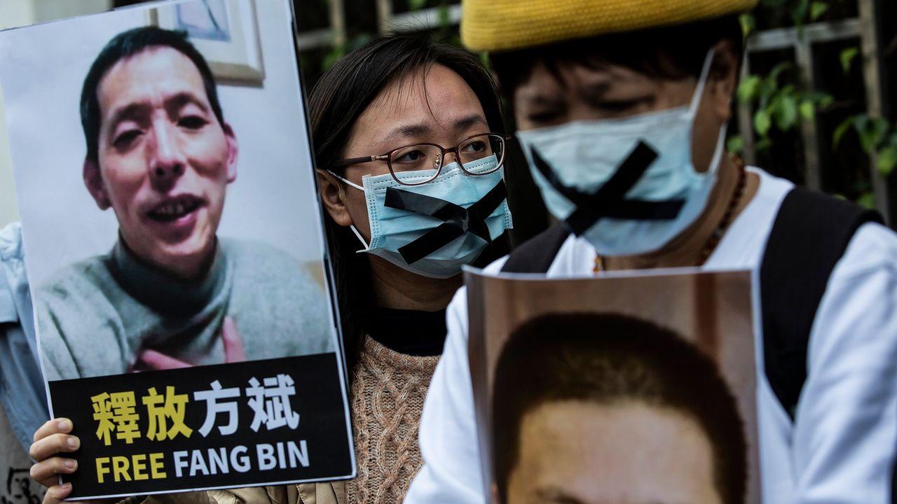 Manifestations à Hong Kong suite à la disparition de Fang Bin, un journaliste-citoyen chinois porté disparu alors qu'il dénonçait la gestion de la crise du coronavirus par le gouvernement chinois, et réclamait plus de transparence. [Isaac Lawrence - AFP]