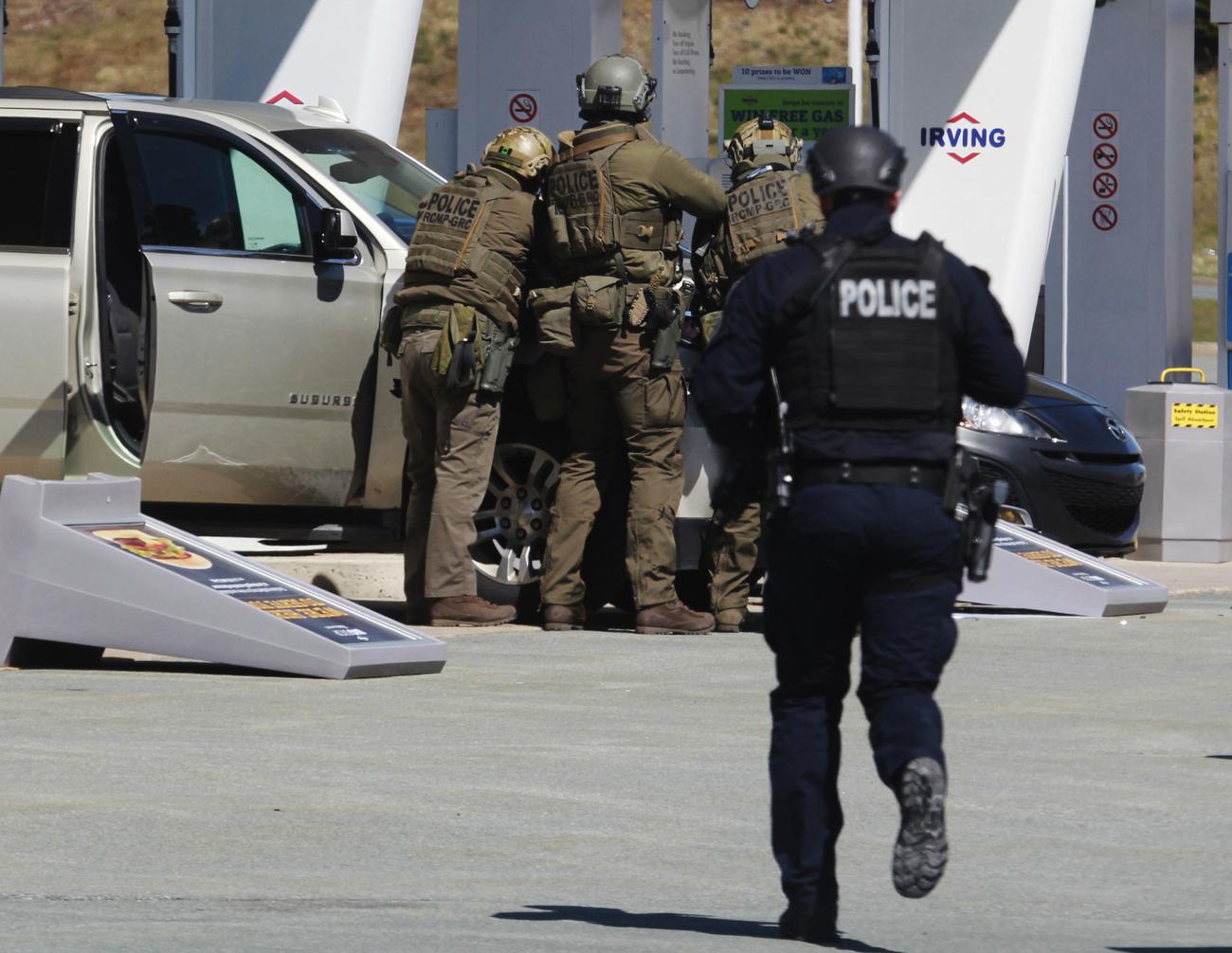 Tuerie au Canada: au moins 18 morts, toujours pas de mobile apparent