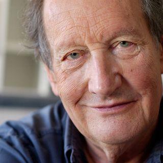 Claude Goretta photographié le 17 juin 2004 dans son appartement à Genève. [Sandro Campardo - Keystone]
