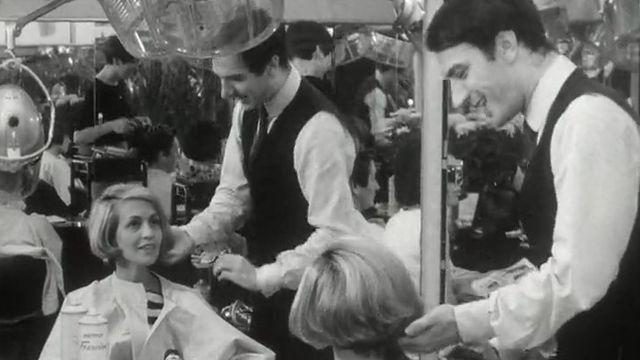Carlo, le coiffeur à la mode en Suisse romande dans les années 60 [RTS]