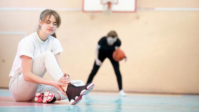 Avec le déconfinement et la reprise du sport le risque de blessures pourrait nettement augmenter. alexkich Depositphotos [alexkich - Depositphotos]