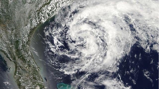 Tempête tropicale Arthur au large de la Floride le 17 mai 2020 UTC [NOAA]