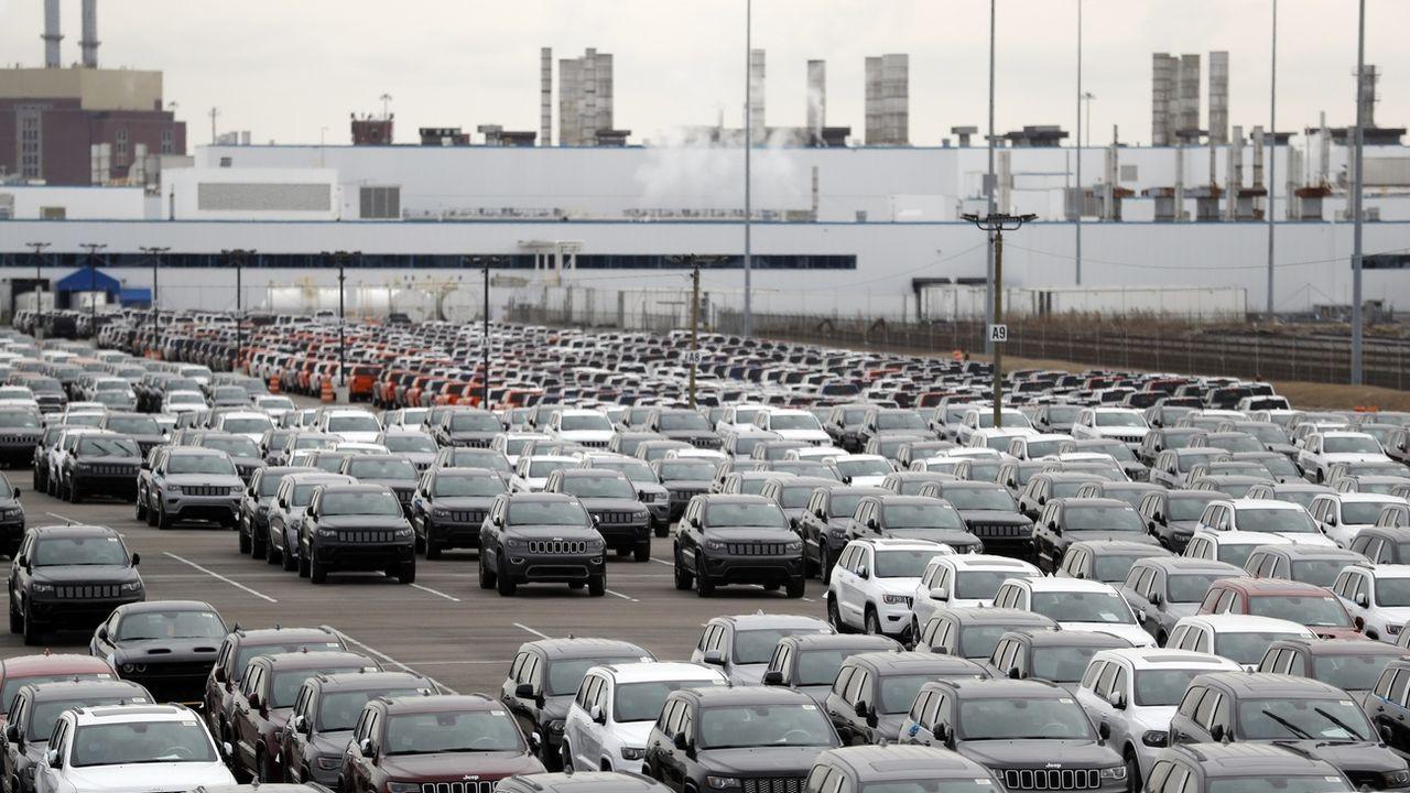 Les voitures du groupe Fiat Chrysler en attente d'être vendues dans une usine de Detroit, aux Etats-Unis. [AP Photo/Carlos Osorio - Keystone]