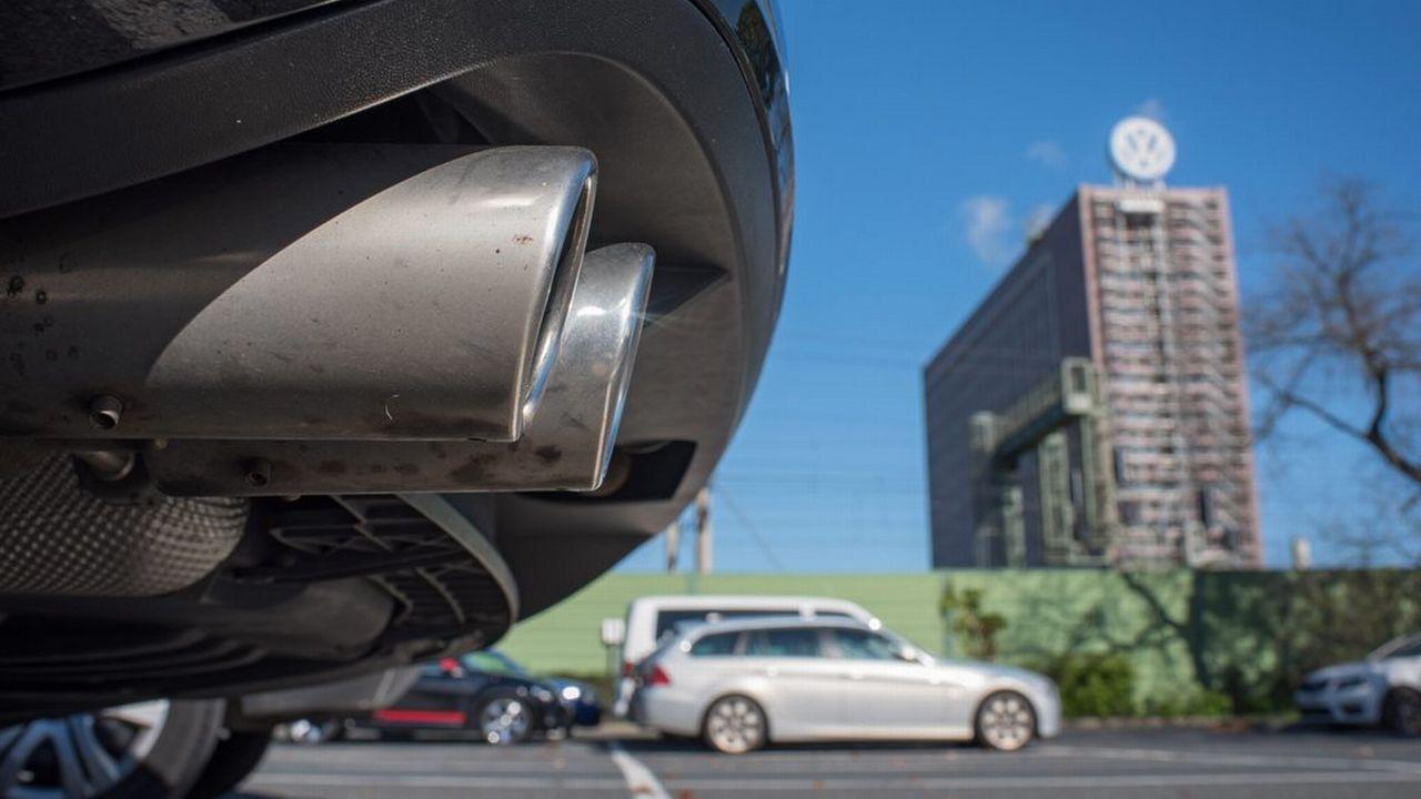 """Quelque 11 millions de véhicules du groupe VW ont été concernés par le """"dieselgate"""". [Julian Stratenschulte - EPA/Keystone]"""