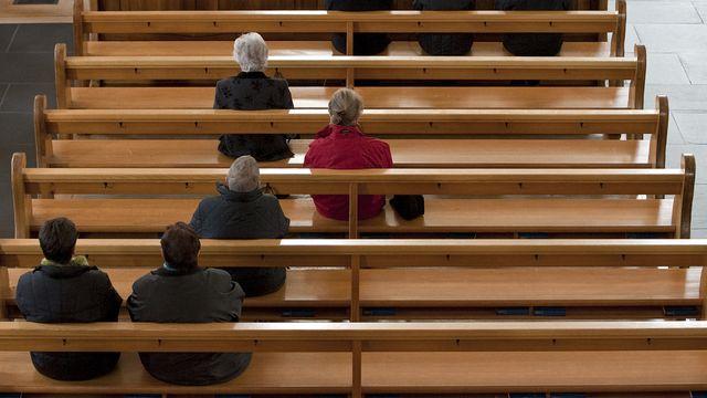 La récolte de témoignages sur les abus sexuels perpétrés dans l'Eglise catholique va se poursuivre en France. [Alessandro Della Bella - Keystone]
