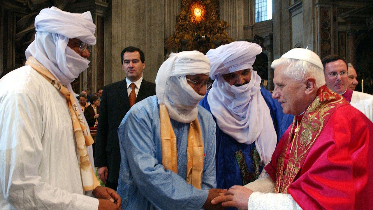 Le pape Benoît XVI lors de la béatification de Charles de Foucauld en 2005. [L'Osservatore Romano - AP Photo/Keystone]