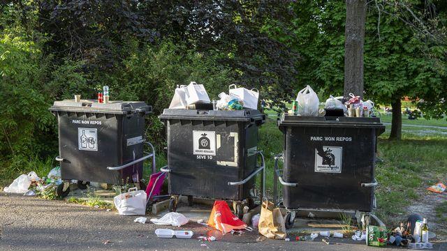 La pandemie de coronavirus provoque une explosion de déchets de plastiques à usage unique. [Reuters]