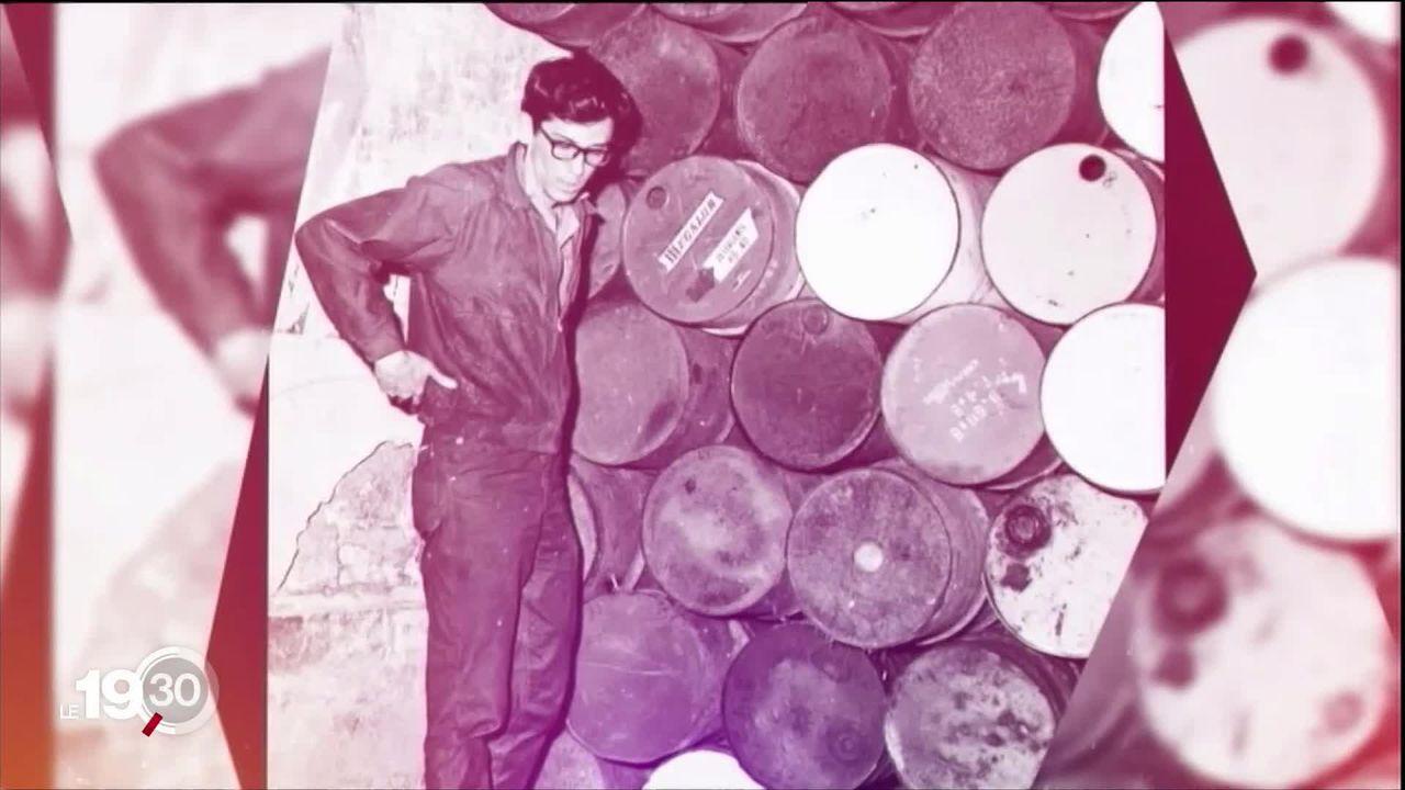 L'artiste plasticien Christo célèbre pour ses emballages de monuments est mort hier à l'age de 84 ans. [RTS]