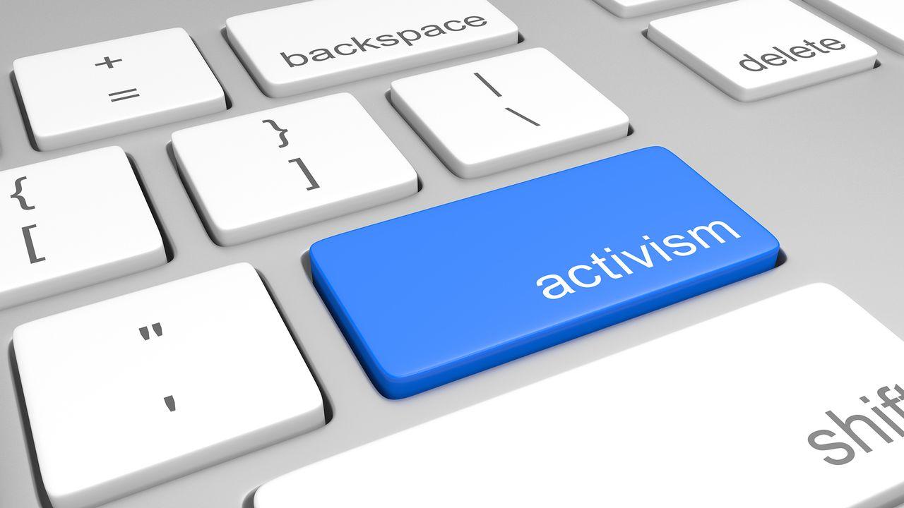 """Zoom sur le """"clicktivism"""", l'activisme sur les réseaux sociaux.  [Depositphotos ]"""