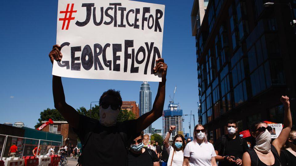 Charges alourdies contre le policier à l'origine de la mort de George Floyd. [David Cliff - AFP]
