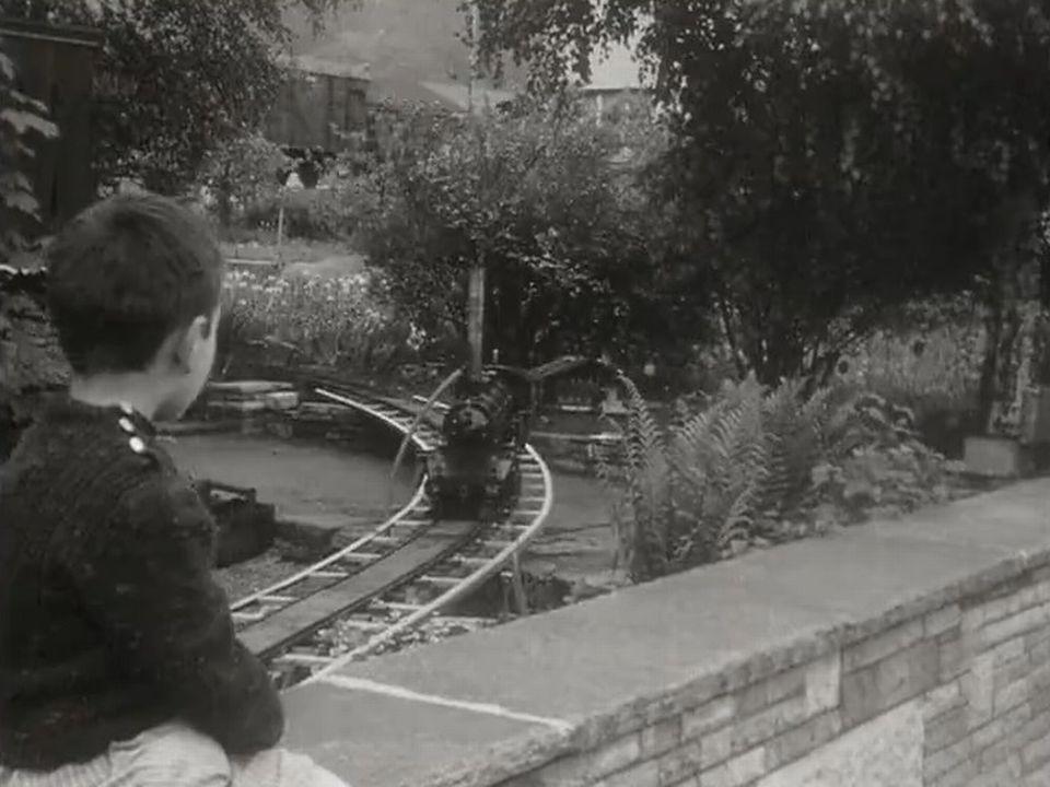 Le petit train de Courrendlin. [RTS]