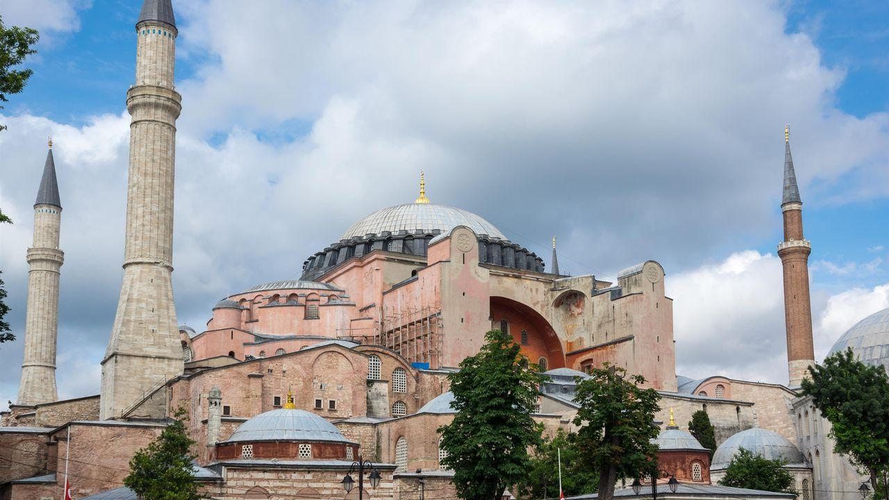 Basilique Sainte-Sophie, Istanbul. [gumbao - Depositphotos]
