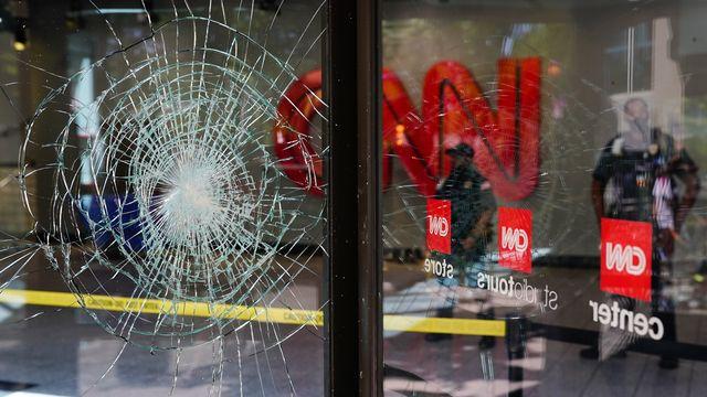 La presse a été prise à partie par les forces de l'ordre américaines dans le contexte des manifestations antiracistes liées à la mort de George Floyd à Minneapolis. [Elijah Nouvelage/Getty Images - AFP]