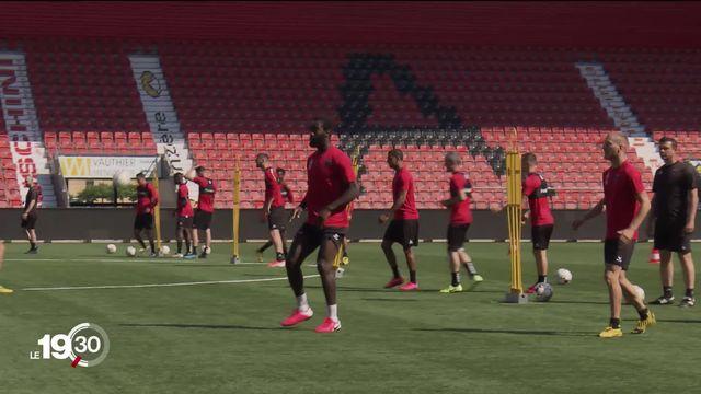 Les joueurs de Super League s'entraînent pour la reprise du championnat le 19 juin. Reportage à Neuchâtel Xamax. [RTS]