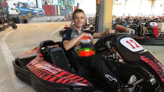 Louis Delétraz espère suivre les traces de son papa Jean-Denis en pilotant un jour en Formule 1. [Sébastien Schorderet - RTS]