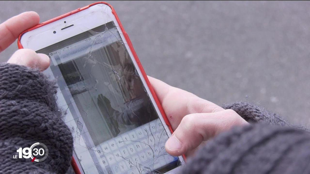 En Suisse alémanique, certains parents suivent à distance le quotidien de leur enfant à la crèche grâce à une application. [RTS]