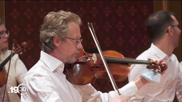 De retour, l'Orchestre de la Suisse romande offre des concerts gratuits, mais pour des spectateurs en nombre limité. [RTS]