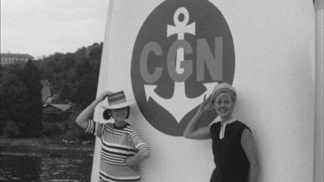 Défilé de mode sur un bateau de la CGN en 1963. [RTS]