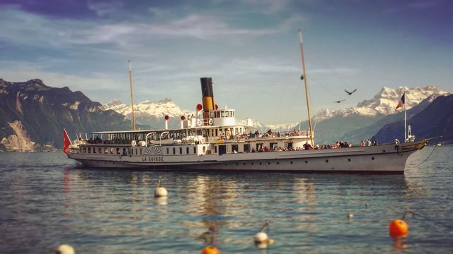 Le navire de la CGN La Suisse en 2016. [Laurent Bleuze - RTS]