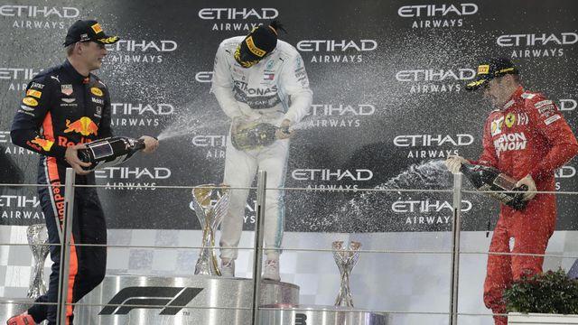 Le traditionnel podium et sa bataille de champagne n'auront plus lieu cette saison. [/Hassan Ammar - Keystone]