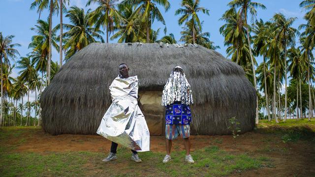 L'aventure africaine de FlexFab avec le rappeur Ziller Bas. [Raphael Piguet - DR]