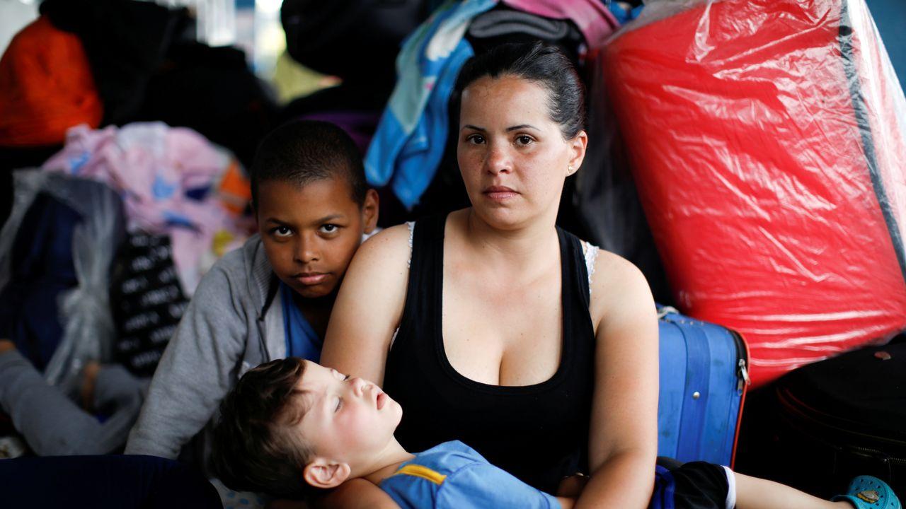 Des migrants vénézuéliens attendent de valider leurs papiers à la frontière entre le Pérou et l'Equateur, le 16 juin 2019. (image d'illustration) [Carlos Garcia Rawlins - reuters]