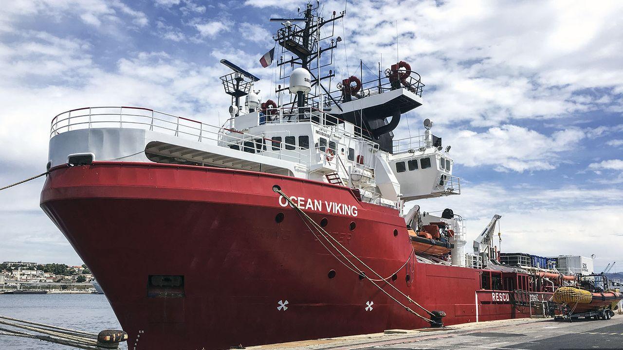 L'Ocean Viking lors des derniers préparatifs dans le port de Marseille, 18.06.2020. [Shahzad Abdul - AFP]