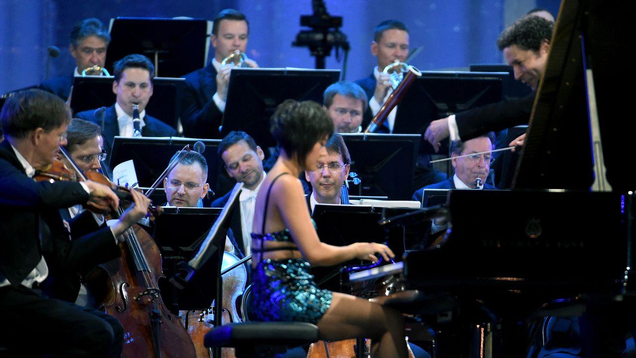 La pianiste Yuja Wang et le chef Gustavo Dudamel à Vienne le 20 juin 2019. [HERBERT P. OCZERET - AFP]